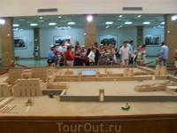 Начало экскурсии в Луксоре, Карнак в миниатюре, вход в храм.