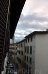 Вид из окна на колокольню Джотто.