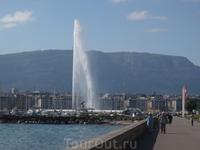 Jet d'Eau - гигантский фонтан на Женевском озере в центре Женевы - 500 литров воды в секунду!