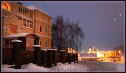 вид на Св.Троицкий муж. монастырь с ул. М.Сеспеля