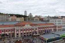 Вид из окна номера на старый вокзал - ныне торговый центр.
