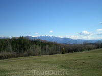 Зеленые равнины и заснеженные горы Болгарии