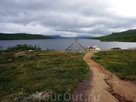 Северные территории и Норвегии, и Финляндии, и Швеции - это земли саамов. Всё здесь говорит об их жизни. Килписъярви