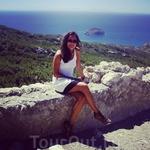 """Эгейское море. Такую красоту своими глазами я видела первый раз в жизни! Еще там в скалах есть туалет без двери, как назвал его экскурсовод """"лучшее место ..."""