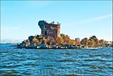 Руины того, что было фортом Павел I (Рисбанк)
