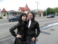 знаменитая остановка-ПОЧТА))) позади нас