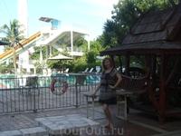 Возле бассейна отеля