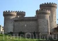 Замок Рокка Пиа