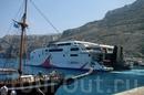 Наше путешествие на о.Санторини проходило на вот таком корабле.