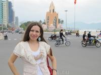 на главной площади Нячанга