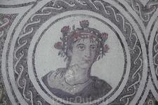Фрагмент древнеримской мозаики небольшого местного музея