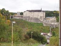 Чешски Штернберк – это готический замок, грозно возвышающийся на скале над рекой Сазава. Построен был в первой половине 14-го века на месте более старого ...