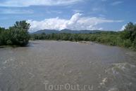 Река Белая после дождей