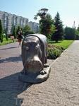 """Бронзовый бегемот от Зураба Церетели.Находится возле центра """"Гипопо"""" в Красноармейском районе"""