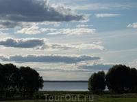 И снова озеро- главное действующее лицо...