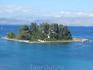 Островок Понтикониси, или Мышиный остров, находится неподалеку от Канони. Мышиным его называют за то, что белая лестница напоминает мышиный хвост. Лестница ...