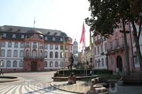 Площадь Шиллера