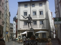 Регенсбург. Статуя Дон Хуана Австрийского