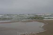 это наш первый день на Балтике, Балтика встретила нас легким штормом и дождем.