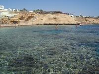 Вид с берега на море