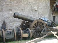 Пушки в замке