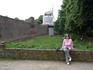 С1373 года  городскую стену в Цонс , бывшей деревне,  с  момента   таможенного поста кельнского архиепископа достраивают и укрепляют многочисленными башнями ...