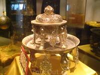Выставка древностей на одном из этажей
