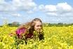 На обратном пути в Лондон нас остановили восхитительно желтые поля