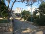 центр Айя-Напы...слева по ходу монастырь, а за монастырем всеми любимая улица дискотек ))