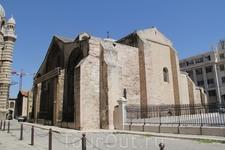 А это останки от романского собора Vв. располагающегося рядом с собором Ла Мажор.