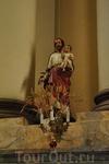 Фигуры в Доминиканском соборе