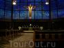 внутри церкви Вильгельма кайзера