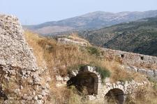 развалины крепости св. Георгия -красивые идв на остров