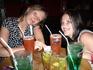 """В рок кафе на Бангла-роуд. Мы попали в """"счастливый час"""" т.е. заказываешь коктейль и тебе в подарок дают второй, плюс попкорн"""