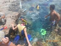 Голубая лагуна. Здесь вода значительно холоднее, сильные волны и уже у самого берега большая глубина