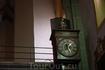 Вот такие часы мы увидели внутри собора. Часы тикают - скелет косит.