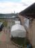 Вид из окошка ресторана на внутренний двор замка. Справа - балкон, там тоже могут посидеть посетители ресторана - летом там лучшее место!