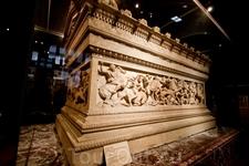 Сидонский саркофаг в археологическом музее Стамбула