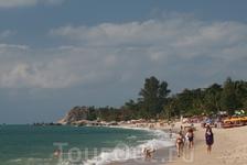 Пляж Ламай бич, вид на юг.