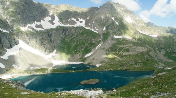 Озеро Безмолвия с высоты 300м