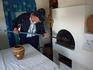 Обязательные атрибуты в казачьем хозяйстве - русская печь, ухват и руки.