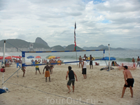 Пляжный волейбол на Копакобане