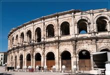 Нимский амфитеатр, построенный во второй половине первого столетия нашей эры, занимает только двадцатое место по размерам среди римских амфитеатров, дошедших до нас (Колизей, к слову сказать – второе)