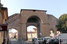 Юго-Западные ворота города.