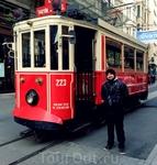 Красный трамвайчик. Фото на память и на счастье)