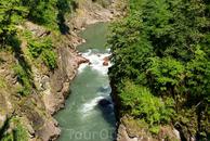 Ну и теперь немного пройдемся еще по другим рекам Адыгеи.  Это река Белая и гранитный каньон(По дороге на Гузерипль после Даховской есть две смотровые ...