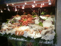 Витрина рыбного ресторана.
