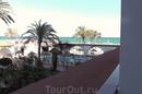 Вид с балкона номера 113. На море, но не очень...