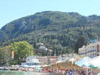 Корфу - самый зеленый остров Греции, весь утопает в зелени.