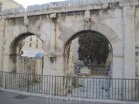 Арка Августа в Ниме